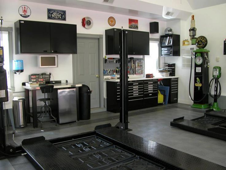 dream garage 12 mowerboss. Black Bedroom Furniture Sets. Home Design Ideas